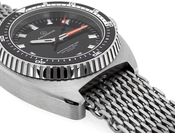DIVE-WATCH-BATHYSCAPHE-100-SS-FRONT